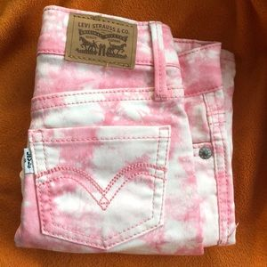 NWOT Levi's Toddlers sz 4 pink/white Bermuda jeans